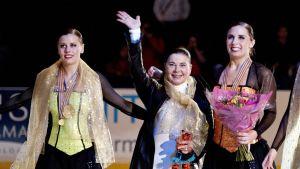 Synkrotränaren Andrea Dohany firar VM-guldet 2012.