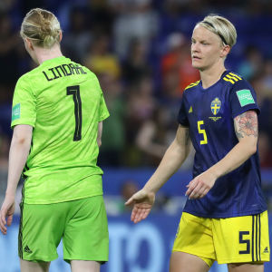 Hedvig Lindahl och Nilla Fischer var besvikna efter matchen.