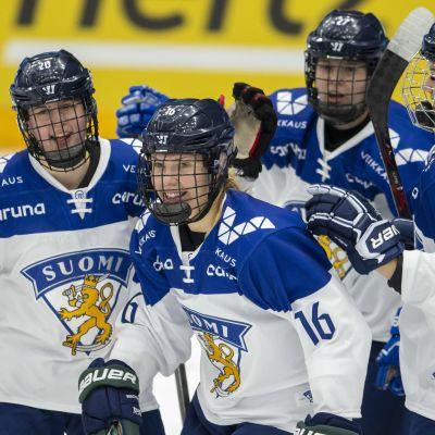 Vilma Tanskanen (16) vastasi Suomen voittomaalista Ruotsia vastaan.
