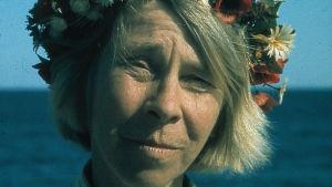 Tove Jansson i blomkrans