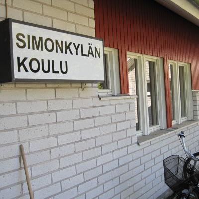 Simonkylän koulu i Nagu.