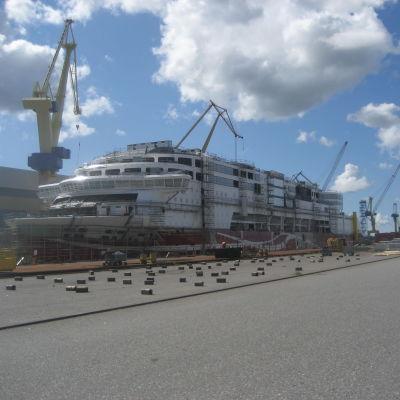 Fartyg i färd med att byggas