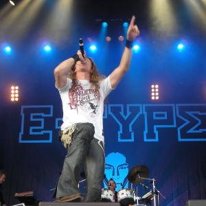 """Martin """"E-Type"""" Eriksson on stage i Göteborg."""