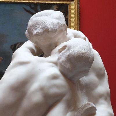 Rodinin veistos Suudelma