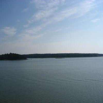 Vy från utsiktsplatsen vid Nordsjö hamn