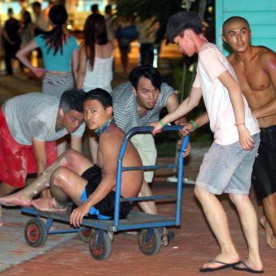 Över 200 skadade när ett färgat pulver antändes under en festival i Taipei, Taiwan.