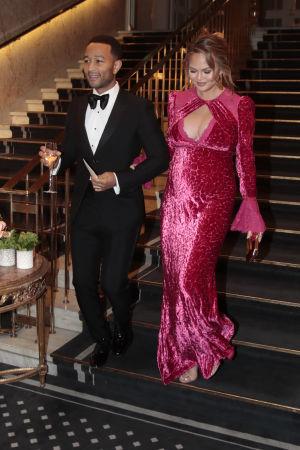 John Legend och Chrissy Teigen efter ceremonin i Oslo.