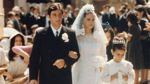 Al Pacino ja Simonetta Stefanelli häissään elokuvassa Kummisetä