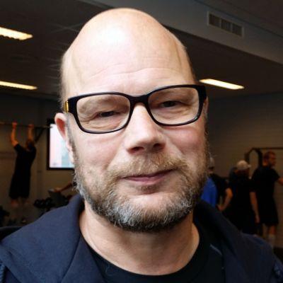 Risto Dufva antaa parran kasvaa kunnes Jukurit voittaa ensimmäisen liigapelinsä.