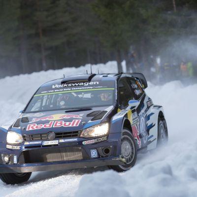 Sebastien Ogier jagar seger i det svenska VM-rallyt.