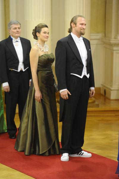 85796a5a6a38 Här är herrarna som trotsat klädkoden på slottet | Slottsbalen ...
