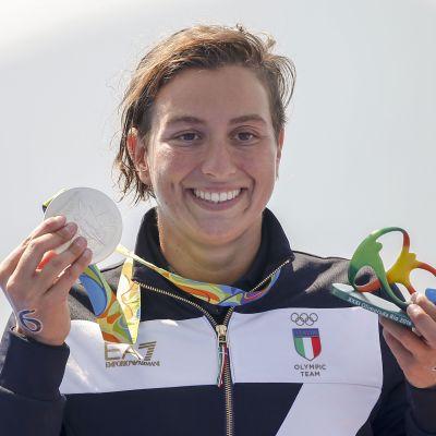Italian Rachele Bruni nousi hopeamitalille Rion olympialaisten 10km avovesiuinnissa.