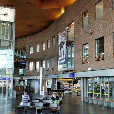 Jyväskylän matkakeskus sisältä