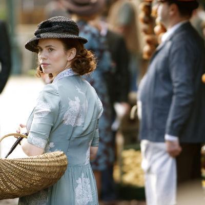 Onko Eva Delectorskaya (Hayley Atwell) todella vakooja?