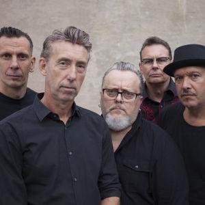 Det svenska rockabillybandet Fatboy poserar