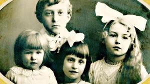 Gunnar och Victoria Heikels fyra barn.