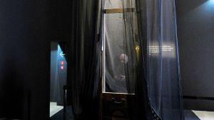 Giljotiini museonäyttelyssä pariisissa
