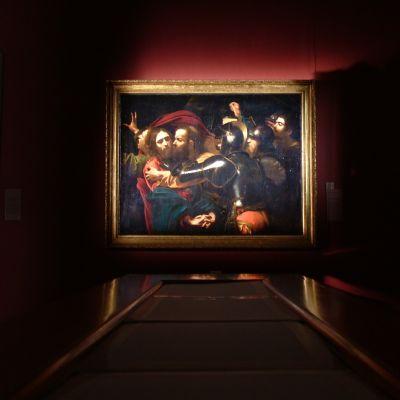 Caravaggion maalaus Jeesuksen vangitseminen