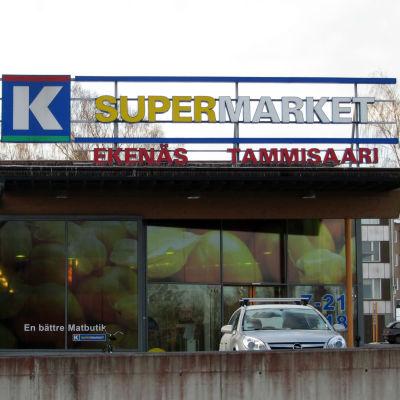 Fasaden på en K-Supermarket i Ekenäs.