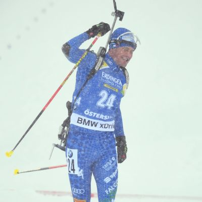Dominik Windisch firar.
