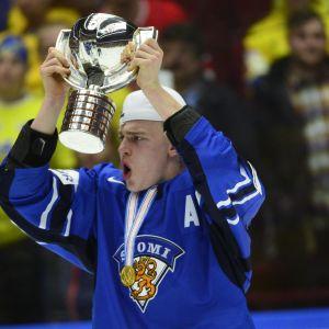 Rasmus Ristolainen avgjorde junior-VM-guldet.