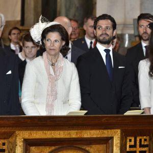 Svenska kungafamiljen på lysningsgudstjänst för prinsparet Carl Philip och Sofia Hellqvist i Slottskyrkan i Stockholm.