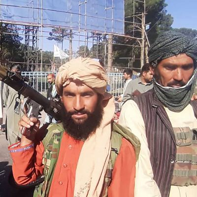 Fredsoperationen i Afghanistan pågick i 20 år - nu avslutas den under kaotiska former.