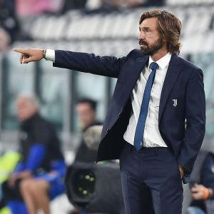 Andrea Pirlo tränar Juventus.
