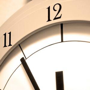 En klocka.