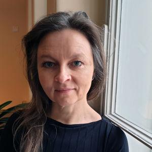 Taidehistorioitsija Anna Kortelainen lähikuvassa