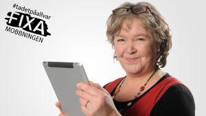 Pia Abrahamsson redaktör på Svenska Yle, arbeter med Radio Vegas program Pia & Peter