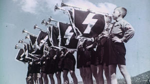 Hitlerin armeijan SS-tunnus symboloi miljoonia ihmishenkiä vaatinutta kansanmurhaa.