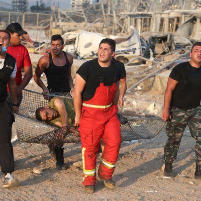 Loukkaantunutta kuljetettiin hoitoon tiistai-iltana Beirutissa.