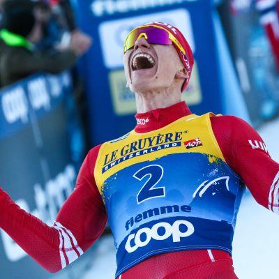 Venäläinen Aleksandr Bolshunov on tuonut miesten hiihtoon väriä, joka on loistanut poissaolollaan etenkin yhteislähtömuotoisissa kilpailuissa.