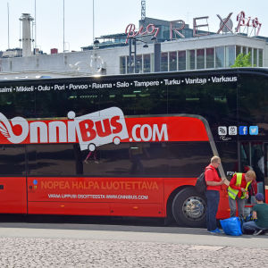 Onnibus vid Glaspalatset i Helsingfors.