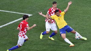 Fred fixade kontroversiell straff för Brasilien.
