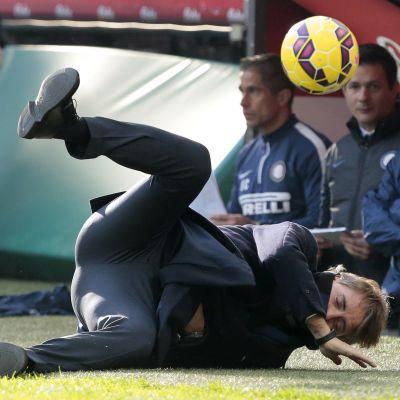 Mancini knockas i matchen mot Genoa