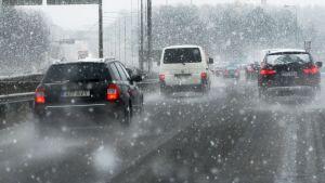 Snöfall i trafiken, Esbo, november 2014