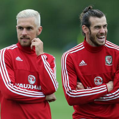 Aaron Ramsey och Gareth Bale.