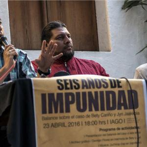 Meksikossa ammutun Jyri Jaakkolan äiti Eve Jaakkola on yrittänyt yli kuusi vuotta saada poikansa murhaajia oikeuteen.