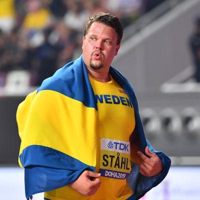 Daniel Ståhl juhli kiekonheiton MM-kultaa Dohassa viime lokakuussa.