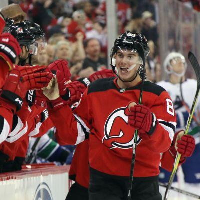 Jack Hughes iski NHL-uransa ensimmäisen maalin