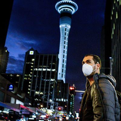 Auckland Uusi-Seelanti, mies maskissa