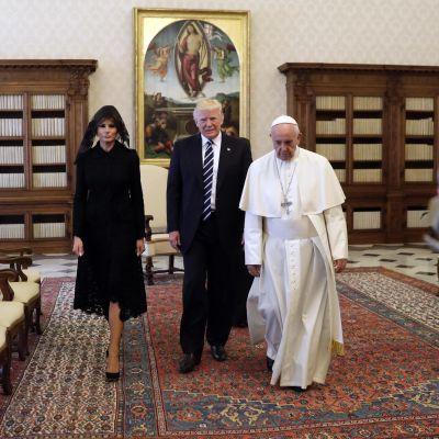 Paret Trump besöker Vatikanen