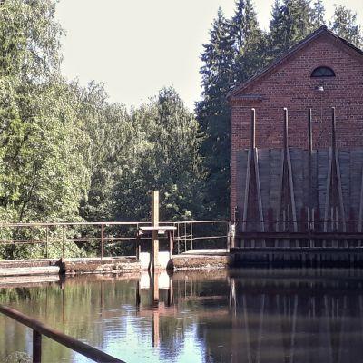 Kangaskosken voimalaitos Hiitolanjoella