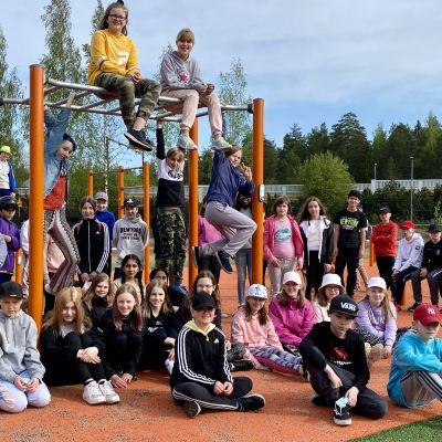Kärpäsen koulun 5AB-luokka