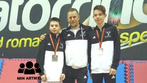 Arseny Ignatiev, Rafael Kesti och Patric Ring står bredvid