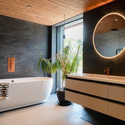 Trendigt badrum på bostadsmässan 2021, huset heter Sensu.
