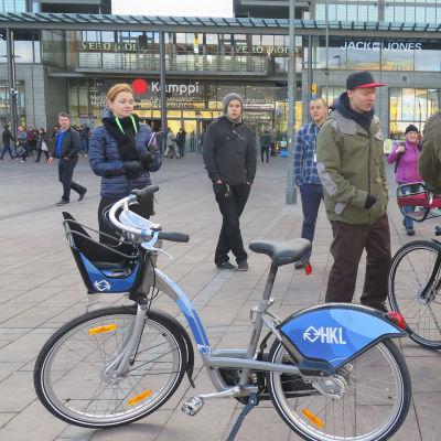 Citycyklarna i Helsingfors kommer att levereras av Moventia & Smoove SAS. Färgen kommer inte att vara som på bilden.
