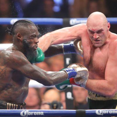 Deontay Wilder boxas med Tyson Fury.